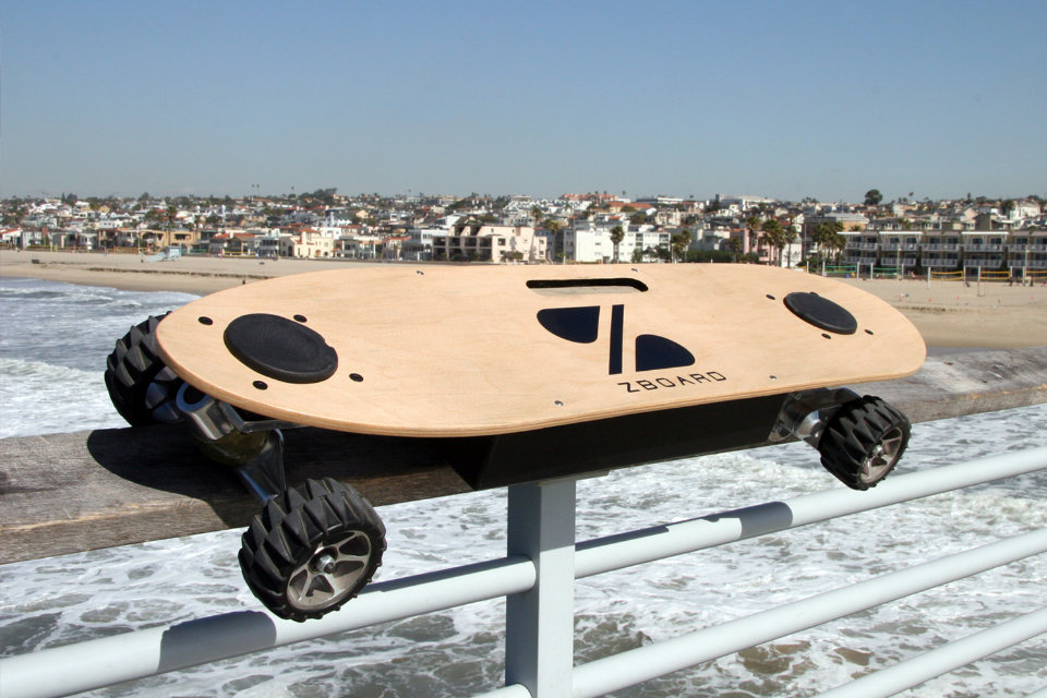 The Electric Skateboard Built to Ride Like a Skateboard