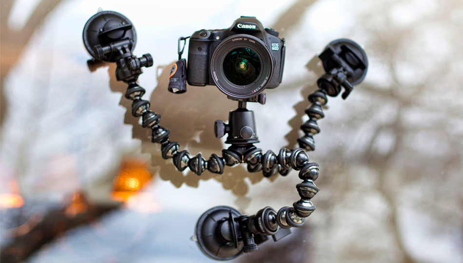 Click here to read Squid-Inspired Camera Mount Sucks In the Best Possible Way