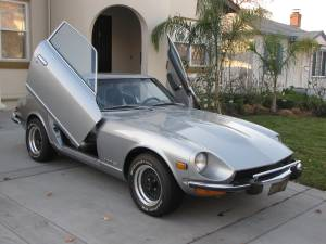 For $9,500, This 260Z Has Lambo Doorz
