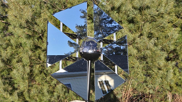 Click here to read Redirect the Sun's Rays With This Solar-Powered Self-Controlled Mirror