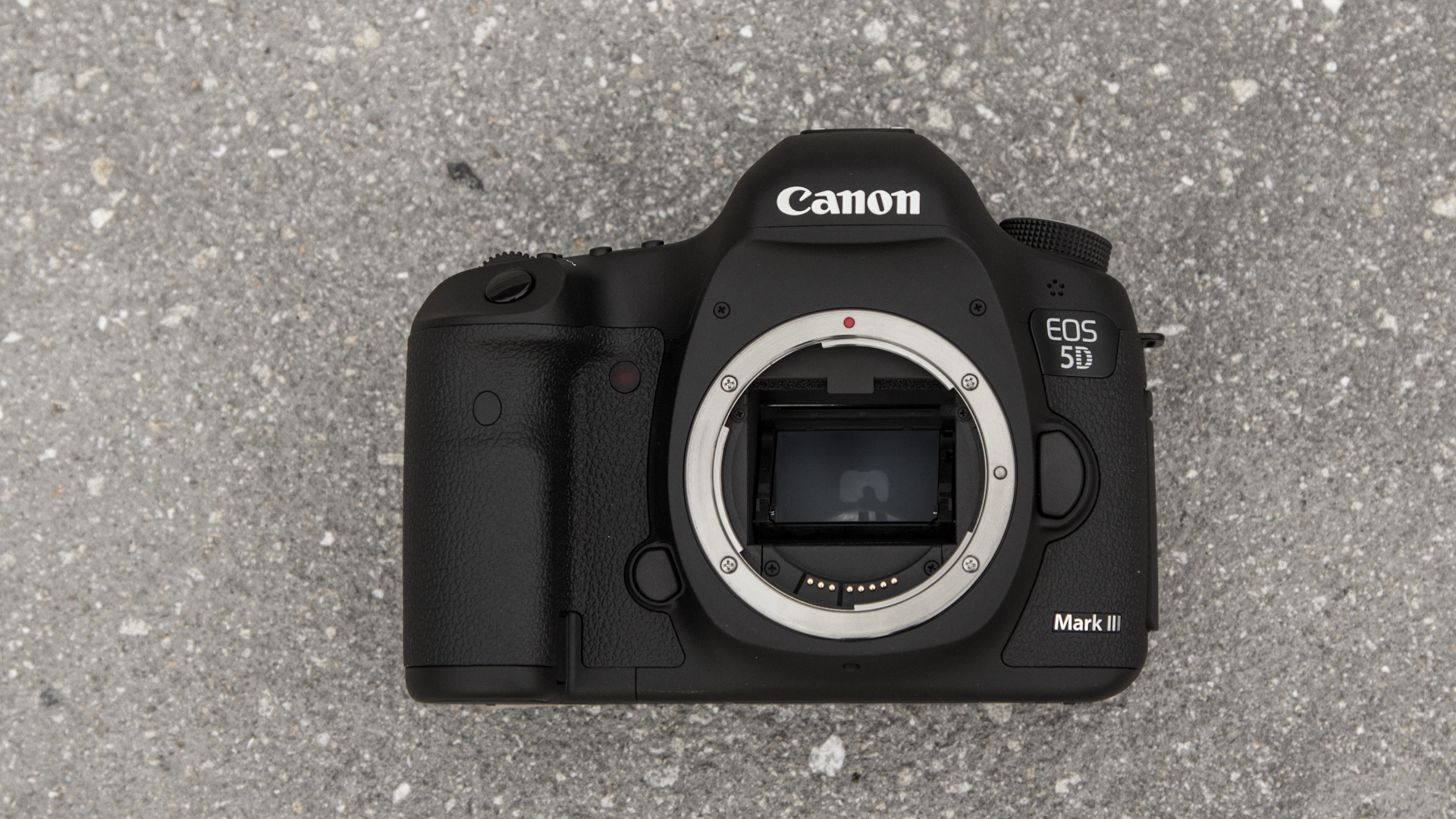 Click here to read Canon EOS 5D Mark III: Video Chompin, Darkness Slaying, Digital Single Reflex Camera Pr0n BRING IT