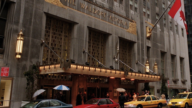 Waldorf-Astoria Lets Adorable Couple Celebrating 60th Anniversary Stay There for 1952 Room Rate
