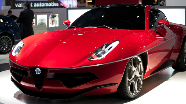 Carrozzeria's Alfa Romeo 8C-Based Disco Volante Is Desperately Beautiful