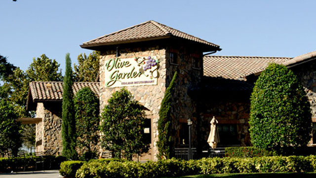 A Treasury of Unironic Olive Garden Restaurant Reviews