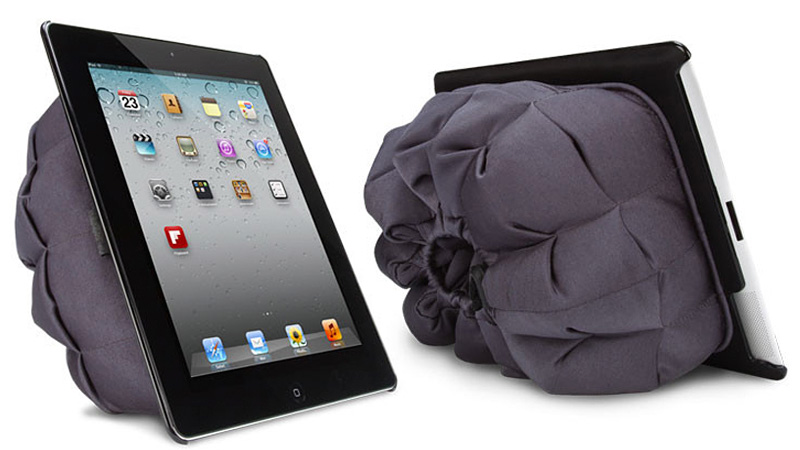 Click here to read Sleeping Bag Case Lets Your iPad Enjoy the Great Outdoors