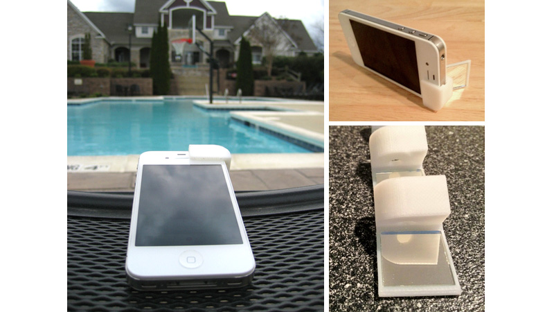 Click here to read Periscope Attachment Turns Your iPhone Into Its Own Tripod