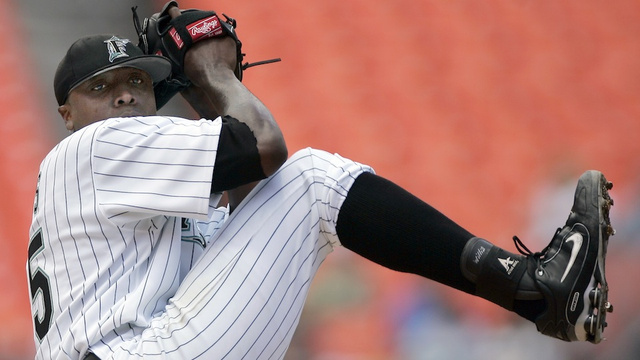 The D Train Doesn't Stop Here Anymore: Farewell, Dontrelle Willis, Crazy-Armed Everyman