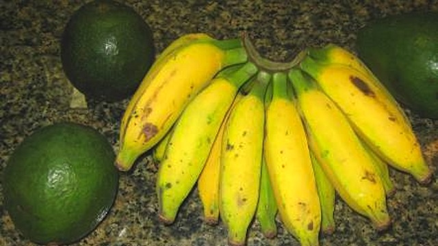original Use a Banana to Quickly Ripen an Avocado