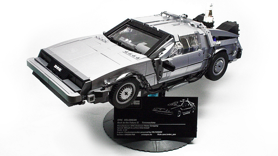Click here to read This Magnificent Lego BTTF DeLorean Deserves Its Own Scale Museum
