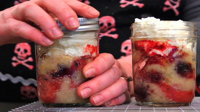Click here to read Bake Cakes in Canning Jars for Easy, Delicious Single-Serving Desserts