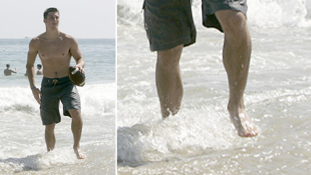 Hey, Jets! Here's A Photo Of Tim Tebow's Bare Foot