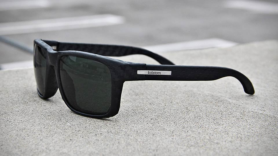 Click here to read Carbon Fiber Sunglasses Sound So So So Great—Until You Stop and Think About Them