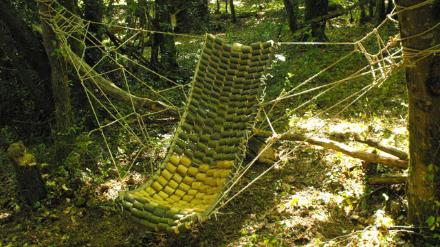 Build a Sturdy, Wooden Hammock Out of Tree Branches