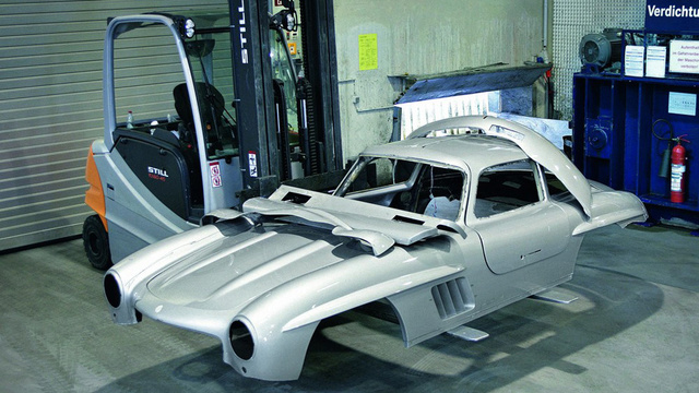 Watch Mercedes-Benz Destroy An Illegal 300SL Replica