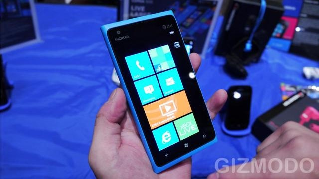 A Lumia 900 Will Cost New AT&T Customers Zero Dollars