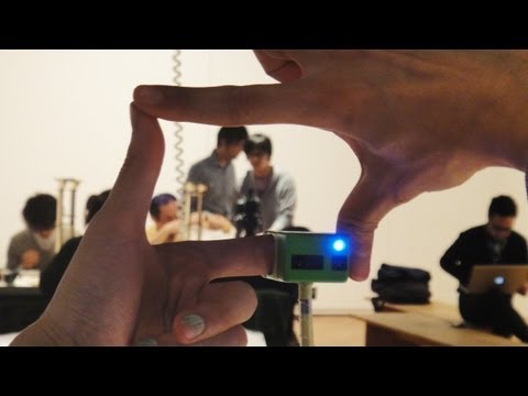 Click here to read Finger Camera Lets You Frame a Shot Like a Pompous Director