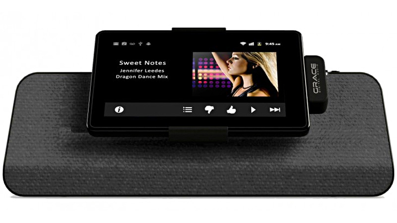 Click here to read Non-iPad Speaker Dock Says the Kindle Fire's Finally Arrived
