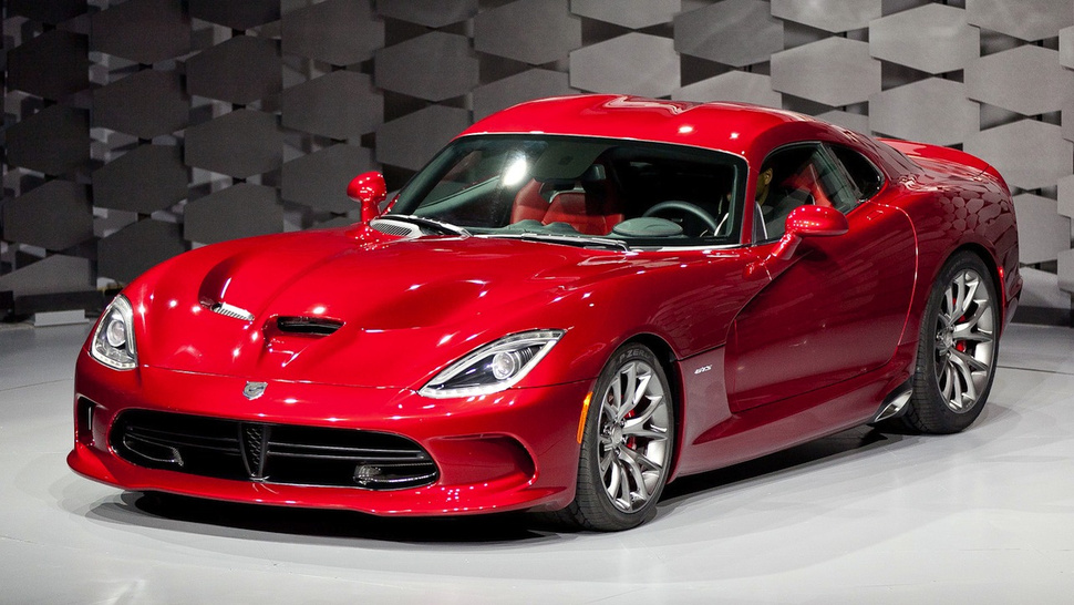 2013 SRT Viper: The Snake Is Back!