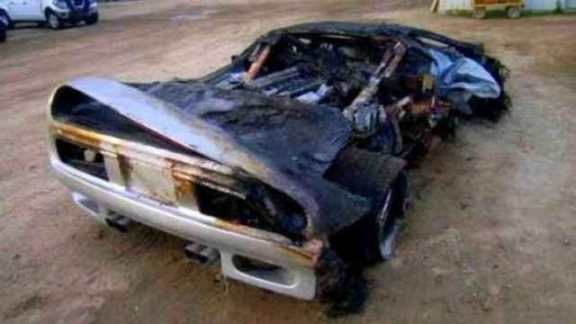Charred Vector M12 Proves Fiberglass Body Can't Hide Italian Supercar Roots