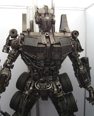 7-Foot Optimus Prime Constructed From Old Car Parts