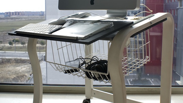Transform an Ikea Chair Frame into a Portable Computer Desk