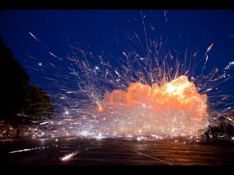 Click here to read Exploding 40,000 Rockets at Once Is as Loud and Wonderful as You'd Think It Would Be