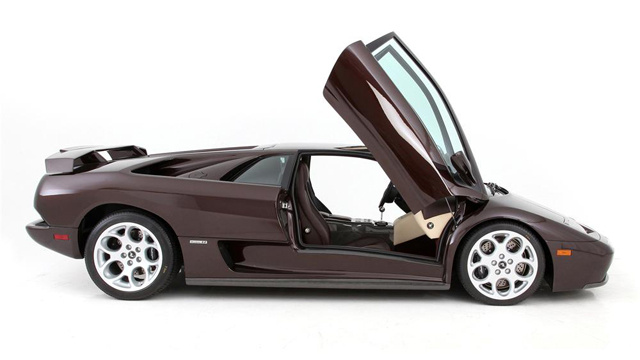 Last Lamborghini Diablo ever built to sell at auction later this month