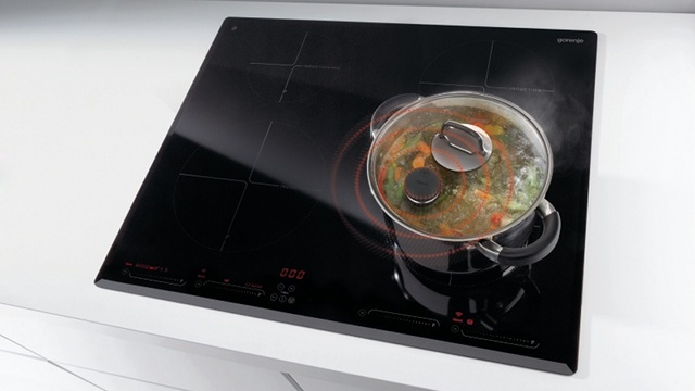 Wireless Sensor Syncs A Hot Pot With An Induction Cooktop