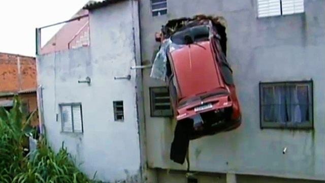 Car Flies Off Road Into Second Story Of São Paulo Home
