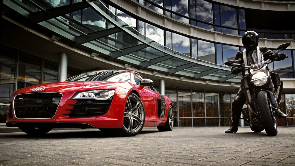 Audi R8 and Ducati: Ducaudi Photos!