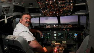 Brave Man Turns Dead Aircraft Into Awesome Flight Simulator
