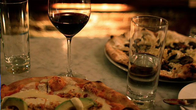 Experiment with Food and Wine Pairings with The Perfect Dish for It: Pizza