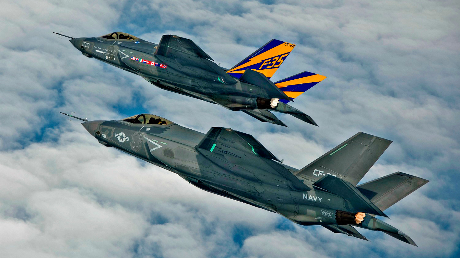 Click here to read This F-35 Formation Is So Impossibly Perfect That It Looks Computer Generated