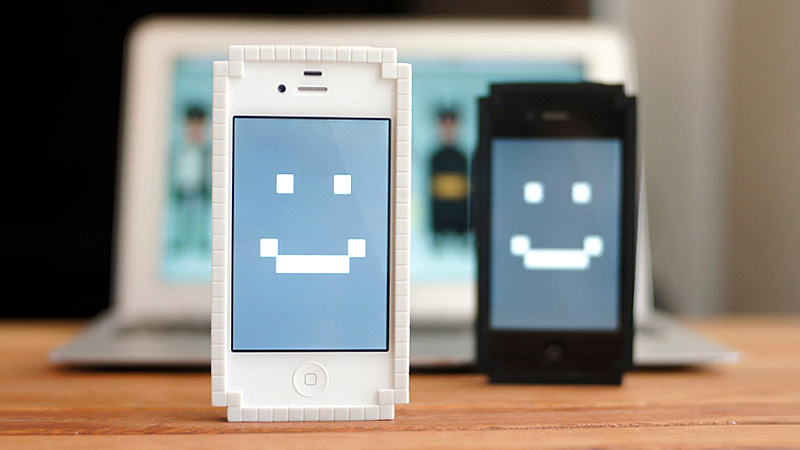 Click here to read Wrap Your iPhone In This Adorable 8-Bit Bumper