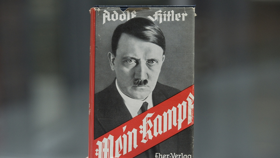 History Re-reading: Hitler's <em>Mein Kampf</em> to Be Published in Germany for First Time Since WWII
