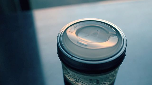 Click here to read Cuppow Turns Any Jar Into a Travel Mug