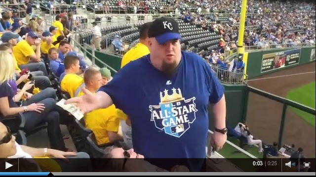 Royals OF Buys Fans a Beer
