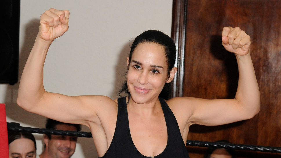 Octomom Is a Champ When it Comes to Masturbating On Camera