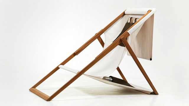Simple Design Update Makes the Classic Wooden Deck Chair Infinitely More Useful