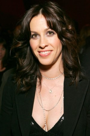 Alanis Morrisette Is So Over Ryan Reynolds