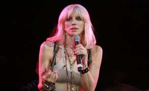 Courtney Love Addresses 'You Gawker People'