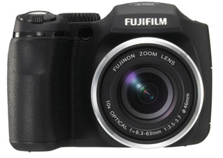 "Fujifilm's S700 Packs 10x Zooming Muscle and ""Smart"" Flash"