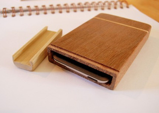 Hand-Carved Wooden iPod Cases Deliver a Touch of Class