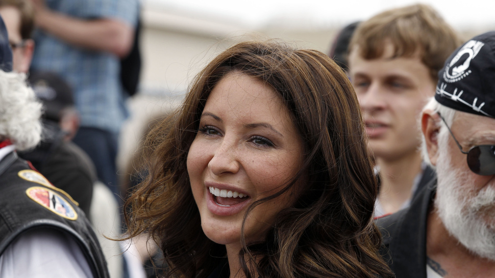 Single Mother Bristol Palin Tells Obama Same-Sex Marriage is Wrong Because Kids Need a Mom and Dad