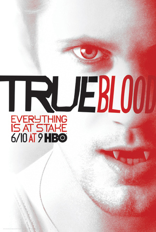 First glimpse of a fanged Chris Meloni from True Blood!