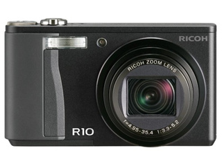 Ricoh R10 Digital Compact Cam is Updated R8, Bigger Screen
