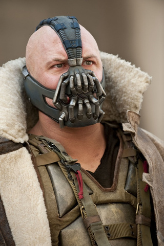 Insanely Detailed Look at Bane's Scuba mask from The Dark Knight Rises