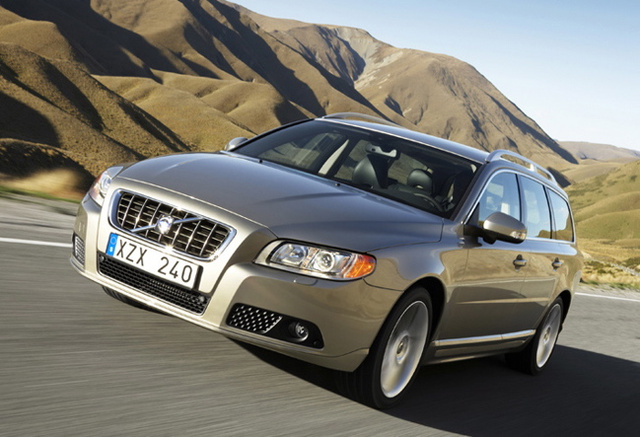 What's An Embargo? Volvo V70 Makes A Break Out Onto The Internet