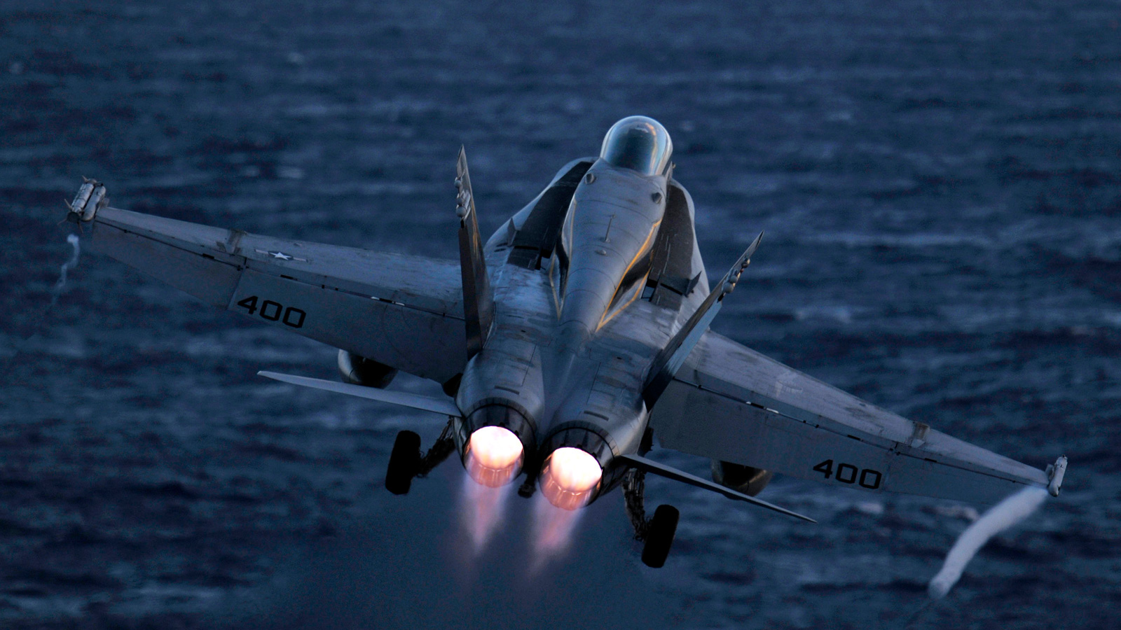 Click here to read F-18 Launching at Night Is My Favorite Airporn of the Week