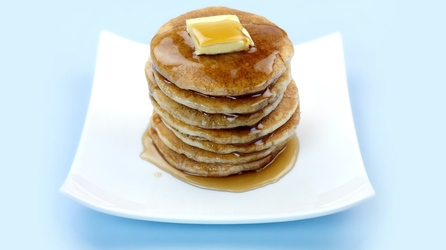 Click here to read A Fat Breakfast Will Hit Your Hips in Three Hours